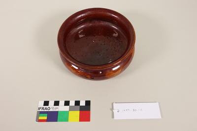Vase, trough