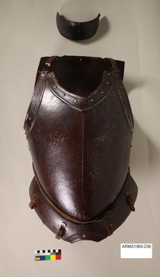 British 3/4 suit of armour