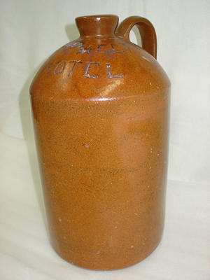 Storage jar for alcohol