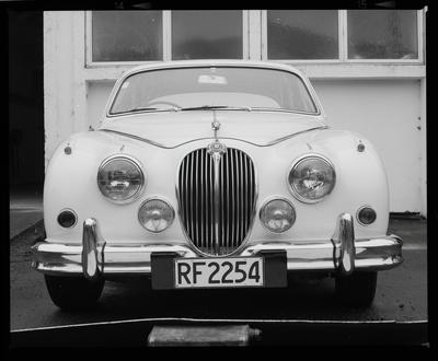 Negative: Luxury Lines Ltd Jaguar