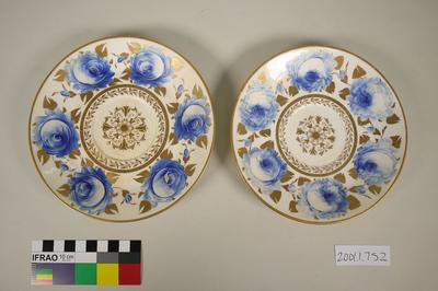 Saucer Dishes