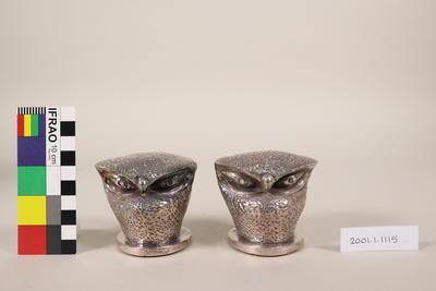 Paper weights/Ornaments (pair)
