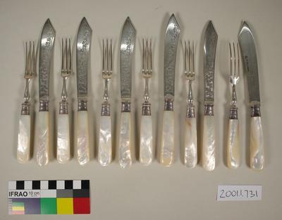 Fruit knives and forks