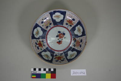 Dish, flat