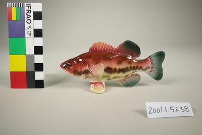 Fish pepper shaker