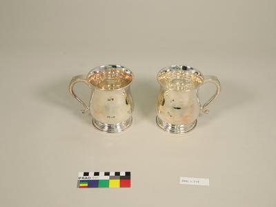 Mugs, beer (pair)