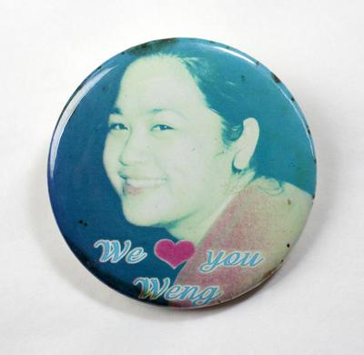 Badge: We [heart] you Weng