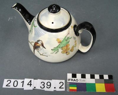 Tea Pot: Royal Doulton kookaburra and wattle