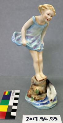 Figurine: Royal Worcester Sea Breeze
