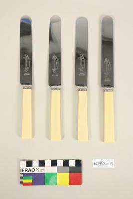 Four dinner knives