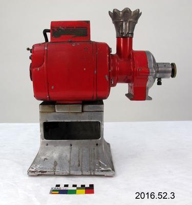 Coffee Grinder Machine: Red
