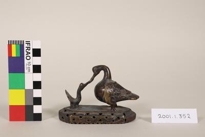 Ceremonial Artefact: Bird seratcher rattle