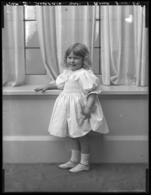 Glass Plate Negative: Mrs D Redpath; Circa 1911; 1980.175.69465