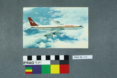 Postcard of a Qantas Boeing 707 aeroplane