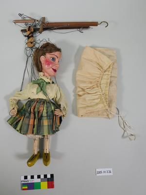 Marionette: Lady with hair in a bun with jewelled clip