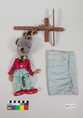 Marionette: Grey fur animal
