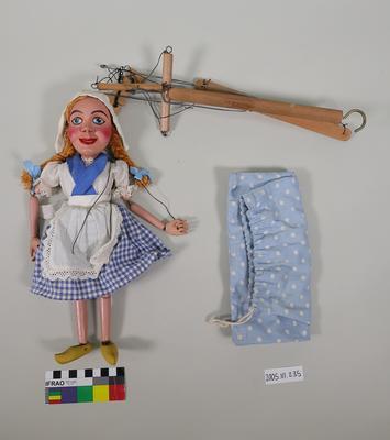 Marionette: Little Dutch girl