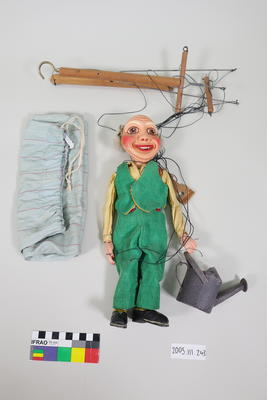 Marionette: Gardener with watering can; ; 2005.111.243