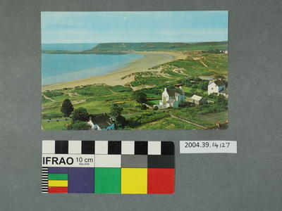 Postcard: Houses in a seaside scene