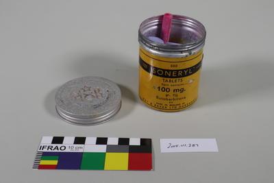 Tin: Coloured Chalk