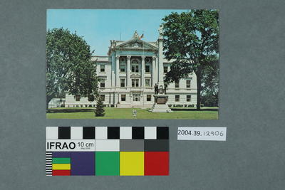 Postcard of De Kalb County Courthouse