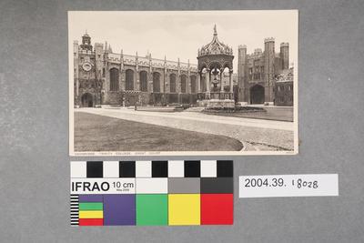 Postcard: Cambridge, Trinity College, Great Court
