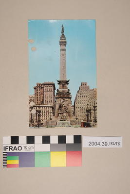 Postcard of Soldiers' and Sailors' Monument, Indianapolis, Indiana