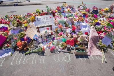 Photograph: Tributes; 19 Mar 2019; 2019.100.375