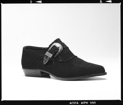 Negative: Saatchi And Saatchi One Shoe; 1994; 2019.10.16118
