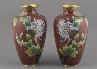 Cloisonné: vase