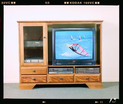 Negative: Blayco TV Cabinet