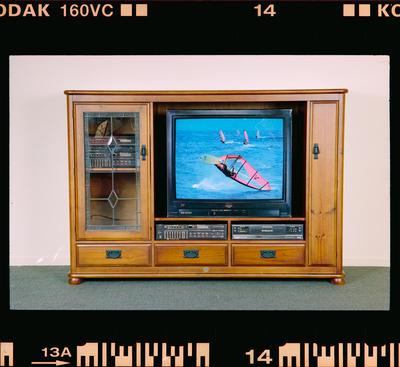 Negative: Blayco Furniture TV Cabinet
