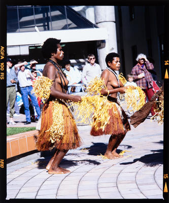 Transparency: Papua New Guinean Dancers Hack Circle