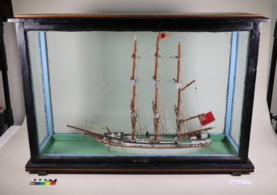 Model Ship: The Southern Cross