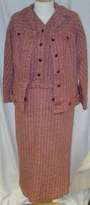 Suit: Women's
