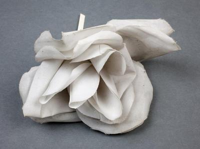 Tribute: Artificial flower
