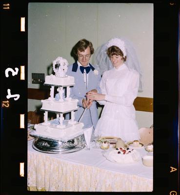 Negative: Gates-Zweis Wedding