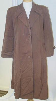 Raincoat: Women's
