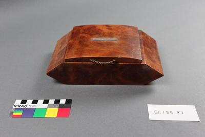 box, cigarette (table-top)