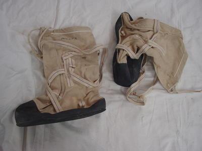 Boots: Snow