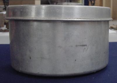 Container: Aluminium; 2003.128.85