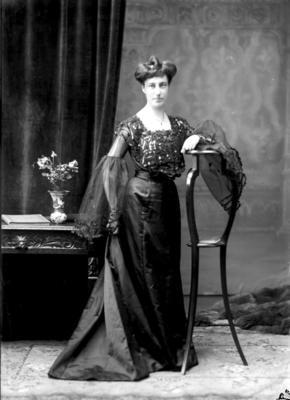 Glass Plate Negative: Miss E. HEYWOOD