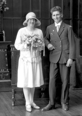 Film Negative: T W Eder. Wedding portrait.