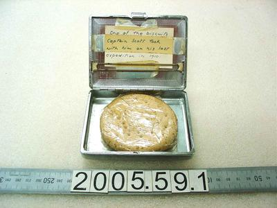 Cigarette Case: With Biscuit
