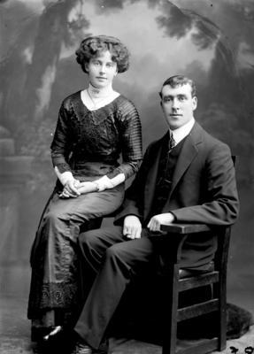 Glass Plate Negative: Mr and Mrs R Edmonds