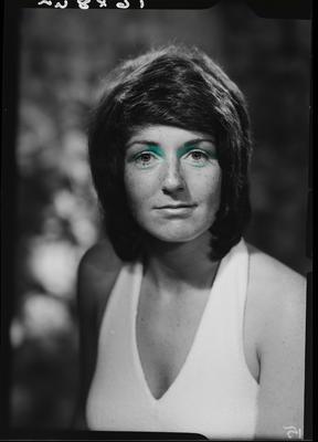 Film negative: Miss L Robert