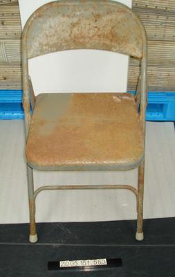 Folding Chair: Metal