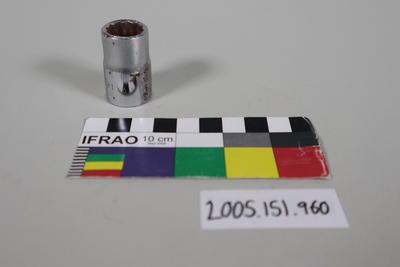 Socket for ratcheting socket wrench set