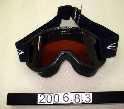 Goggles: Black and Red