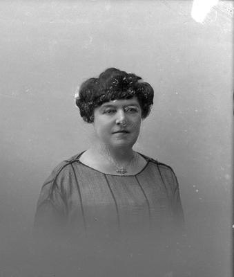 Glass Plate Negative: Mrs Helene Cross